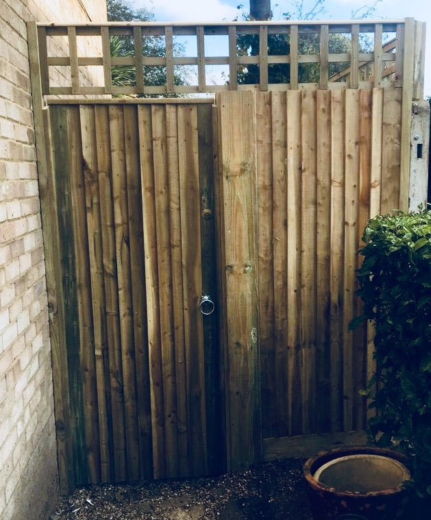 Closeboard gate and fence with trellis, installation by South London Fencing